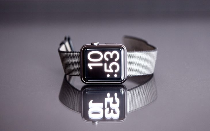 apple-watch-reflection